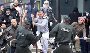 """Ankara """"riconosce"""" lo Stato Islamico. E Merkel la  fa entrare nella UE"""