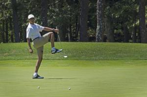 L'America affoga, e Obama  è sul campo. Di golf.