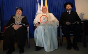 Bergoglio elogia Napolitano e Bonino? Esegue il programma
