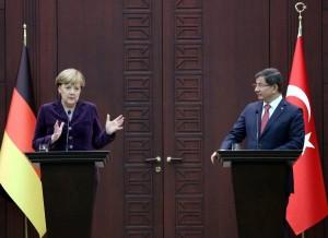 Merkel implora Davutglu