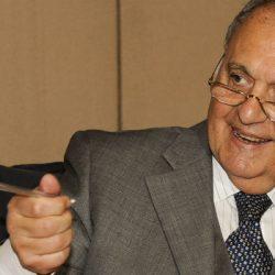 Paolo SAVONA:   Vi svelo tutti i pregiudizi contro l'Italia.