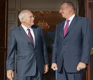 Dick Cheney col ditatore azero Aliev