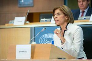 La Kommissaria UE alla Salute si trova 4 milioni sul conto