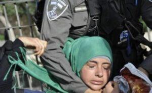 L'esercito israeliano attacca moschea di Al Aqsa