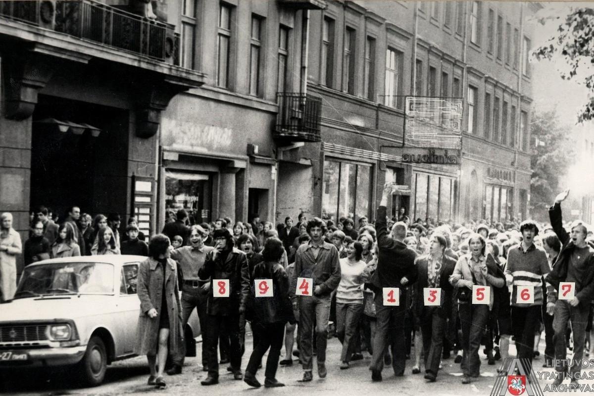 Manifestanti contro i sovietici, 1972.